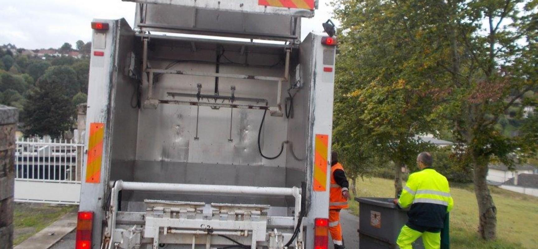 Nettoyage des containers poubelles en cours creuse grand sud - Desinfecter machine a laver ...